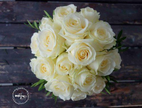 kwiaty na ślub bukiet róż