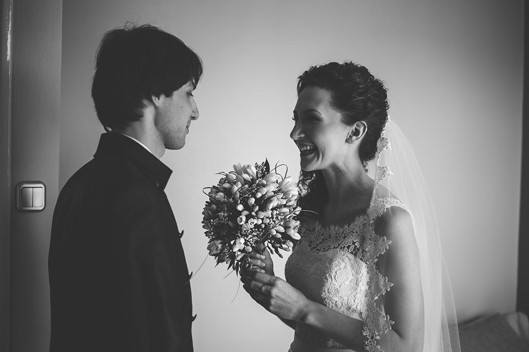 Spotkanie pary młodej w dniu ślubu